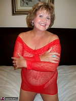 BustyBliss-Red Shoulders Pictures